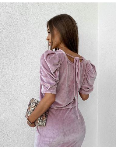 Różowa bluzka welurowa z bufkami