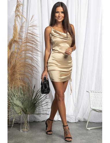 Złota satynowa sukienka na ramiączkach  ze ściągaczem z boku Gold